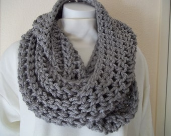 Chunky Gray Infinity Scarf Cowl Scarf loop scarfs eternity scarf chunky infinity scarf chunky cowl scarf crochet scarf