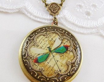 Green Dragonfly Resin Locket. Memorial Dragonfly Locket, Wedding Locket.Valentine Gift For Her