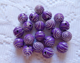20  Grape Plum Purple & Silver Swirl Etched Round Acrylic Beads  10mm