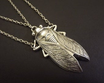 Gothic Bug Necklace. Halloween insect chain.