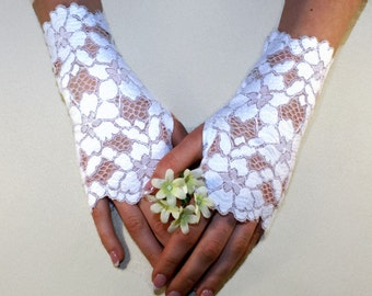 White Lace Gloves Bridal Gloves White Flowers Lace Fingerless Gloves Floral White Stretch Lace White Bridesmaid