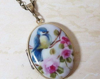 Blue Bird Locket Necklace Pendant Bluebird Locket Blue Bird Necklace Photo Locket Bird Cameo Jewelry Shabby Chic Nature Woodland Jewelry
