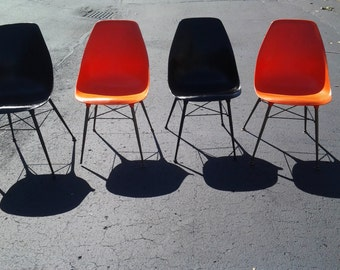 A rare set of vintage mid century modern egg shell style chairs 1960s Eames era sweet chairs