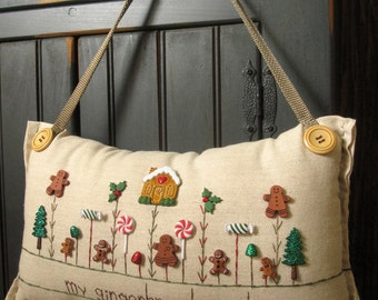 "Hanging Pillow: ""My Gingerbread Garden"" (Cottage Style)"