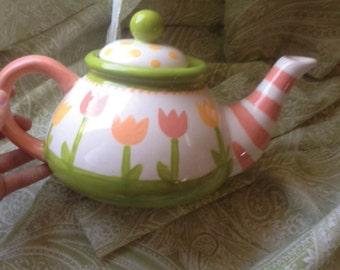 Tulip Teapot