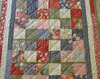 Blocks and Flowers Toddler Quilt