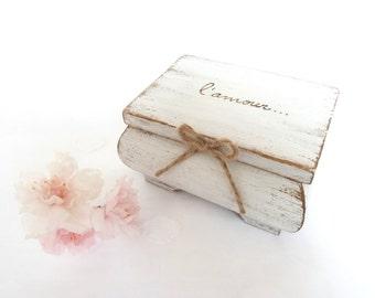 Wedding Ring Bearer Pillow Box, White Ring Bearer Box, Rustic Wedding Decor, Beach Wedding Ring Box, Wedding Box L'amour toujours.