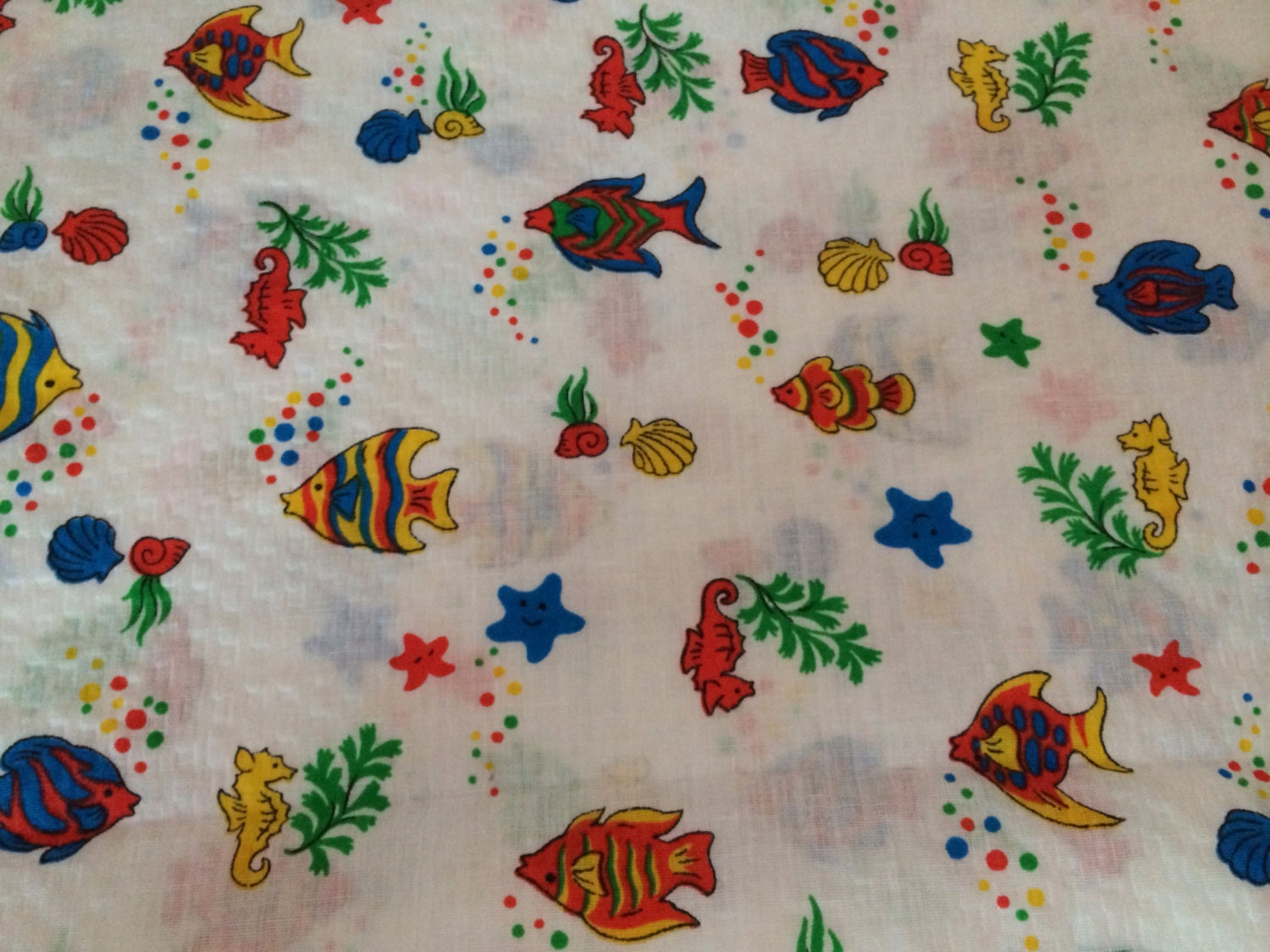 Fish print fabric wamsutta otc 2 yds sea theme colorful for Fishing themed fabric