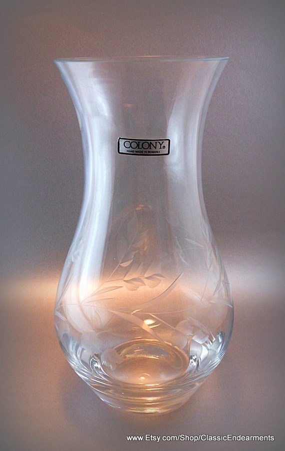large flower vase colony etched clear glass by classicendearments. Black Bedroom Furniture Sets. Home Design Ideas