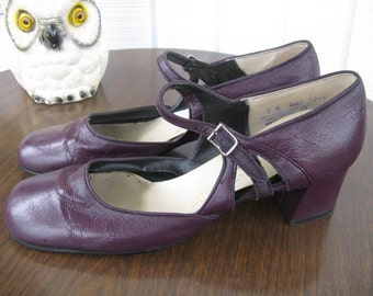 Midcentury Purple Heels by Mason Shoe Company / 9