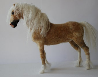Needle felted horse. Handmade. Miniature, soft sculpture, felted  animals,pet miniature,made to order