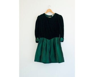 50 % OFF Vintage 1980s || Green Velvet and Taffeta Christmas Dress || Holiday Party