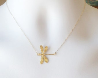 Dragonfly Necklace - Gold Dragonfly Necklace - Nature Inspired Jewelry - Insect Necklace - Bug Necklace - Christmas Gifts - Animal Jewelry