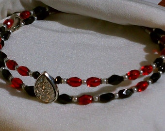 Red, Black, Beaded Browband for Horse Bridle. Custom Tack With Druzy Center. Blingy English or Dressage Browband Or For Western Headstall
