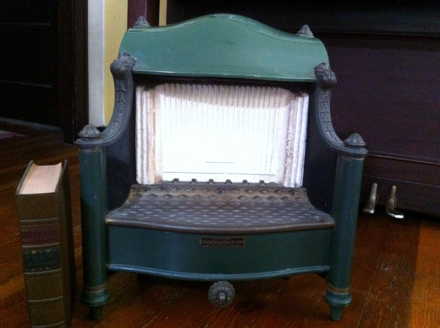 Antique Gas Heater Vintage 1920s Heater Radiant Fire