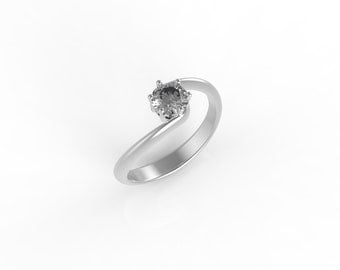 14kt White gold solitaire