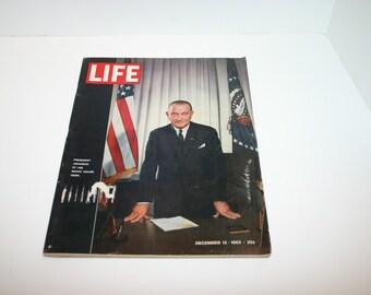 Vintage Life Magazine December 13, 1963 President Johnson, Toledo Spain cathedral, Christmas ads