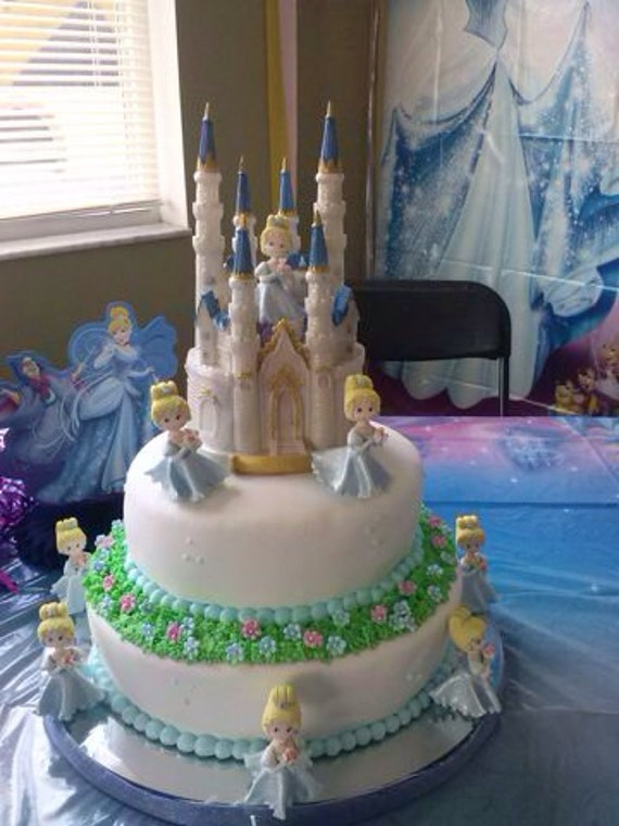Queen Elsa Cake Decorations : Cinderella cake topper. Queen Elsa Princess by MimosasDesigns
