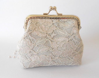 Light gray linen and Lace Purse, Wedding Bridesmaid Small Columbine Clutch with Kisslock