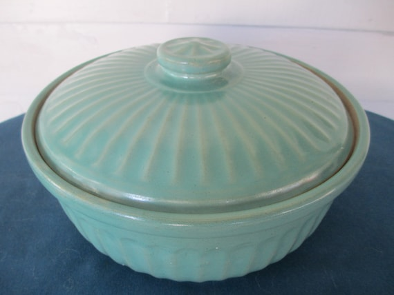Vintage Green Usa Stoneware Covered Casserole Dish Pottery