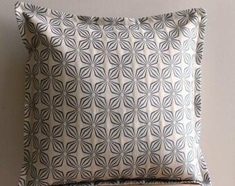 Floral Retro Wowen Pillow Cover