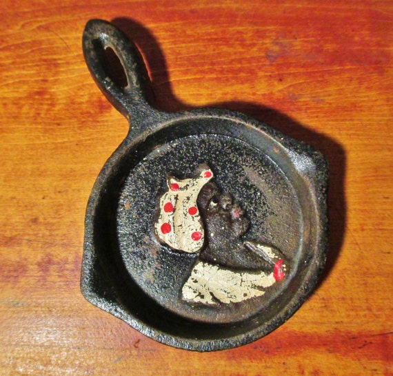 Uncle Mose Vintage Mini Cast Iron Skillet Painted Relief Aunt Jemima Old Hand