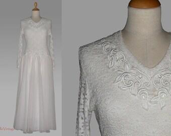 80s Wedding Dress in Vintage White, Size M