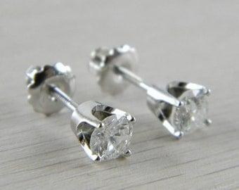 how to clean diamond earrings with vinegar