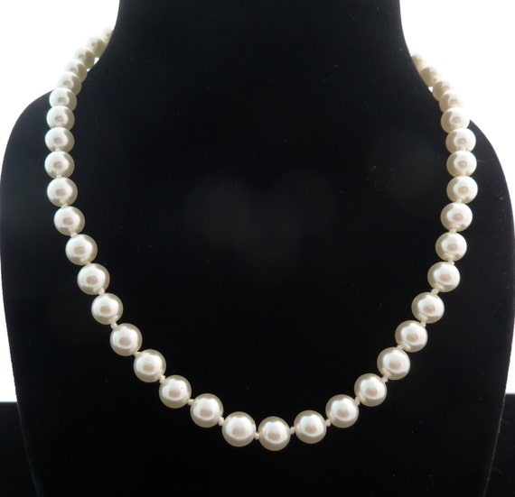 Single Strand Glass Pearl Necklace Hand Knotted Classic