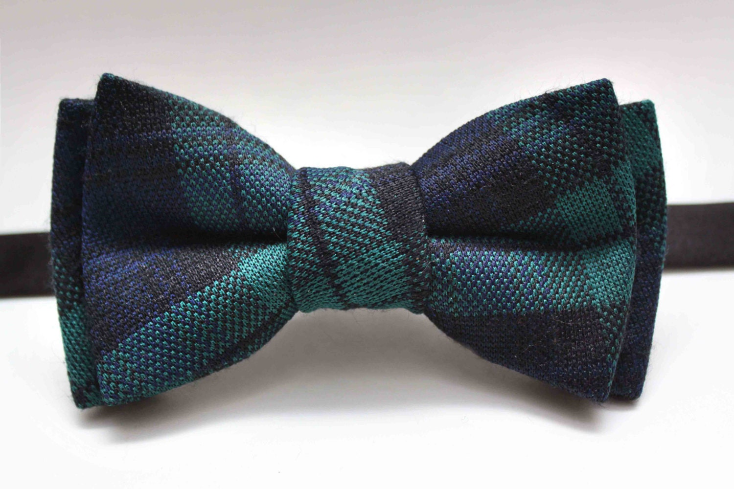 You searched for: blue green bow tie! Etsy is the home to thousands of handmade, vintage, and one-of-a-kind products and gifts related to your search. No matter what you're looking for or where you are in the world, our global marketplace of sellers can help you find unique and affordable options. Let's get started!