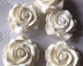 2 pcs 34 mm Cabochon Flowers,Off White,34 mm Off White Rose cabochon,White resin flower.35 mm White cabochon, flower kit,34 mm White rose,