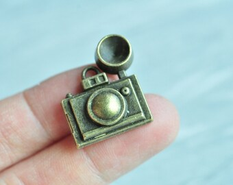 6pcs Antique Bronze Camera Charm Pendant with Flash Light 22x25mm PP311