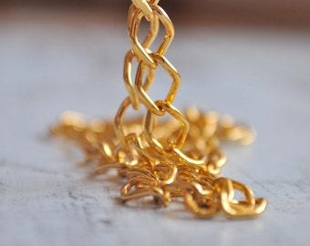3.3 Fuß (1 Meter) vergoldete Metall-Kabel Kette, 5X3mm Kette Kette, Schmuckzubehör, Schmuck Supply