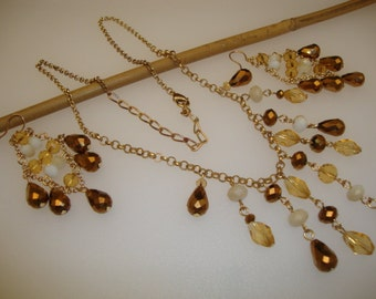 Vintage Fashion Jewelry Necklace Earrings Set Golden Topaz Glass Stone White Lucite Faceted Unique