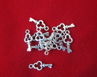"10pc ""key"" charms in antique silver style (BC48)"