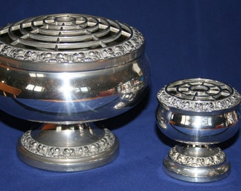 Stunning Vintage Set Of Two Silver Plated Rose Bowls - By Ianthe England .