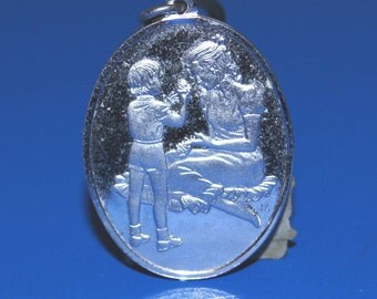 Sterling Silver Franklin Mint 1976 Mother's Day Medallion/Pendant