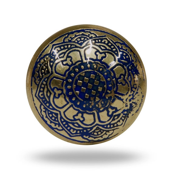 Medieval etched metal furniture knob decorative dresser for Knobs for bureau