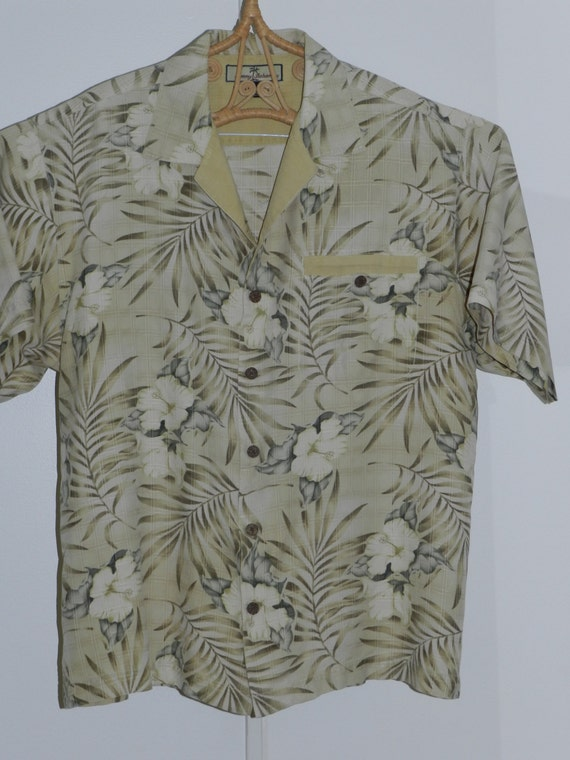 tommy bahama 100 silk hawaiian shirt very unique style