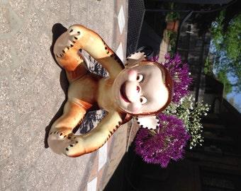Adorable monkey planter/holder!