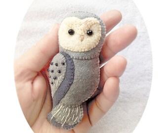 Owl Felt Brooch, Handmade Felt Owl Brooch, Woodland Animal Felt Jewelry, Grey Owl Pin, Felt Accessory for Owl Lovers