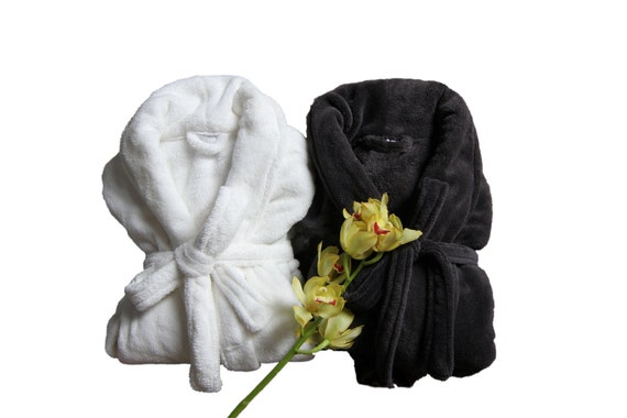 charcoal gray his and hers bathrobe mr and mrs bathrobe. Black Bedroom Furniture Sets. Home Design Ideas