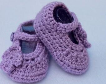 Lavender Crochet Baby Girl Mary Jane Booties with Flower, Mary Jane Shoes, Crochet Baby Shoes, Crochet Baby Booties, Baby Shower Gift