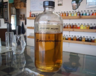 Egyptian Musk thick traditional type. 4 oz Wholesale + 1 empty dram