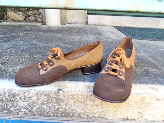 1960s Vintage Womens Oxfords Saddle Shoes Two Tone Lace Up