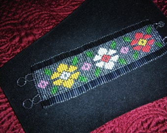Beautiful Handcrafted Seed Bead Floral Design Bracelet