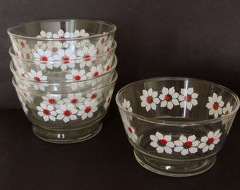 Set of 5 Vintage Libbey Berry/Cereal/Sherbet Bowls with White and Red Daisy Pattern