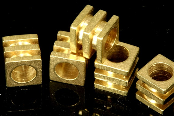 25 pcs 6 x 6 mm Cube (hole 4 mm ) raw brass spacer industrial brass Charms,Pendant,Findings spacer bead bab4