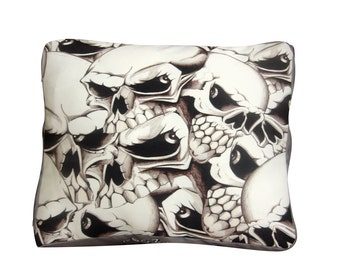 Skulls square dog bed. Dogzzzz tired of the same old plaids and stripes brings the rugged outdoors in and makes it fun.