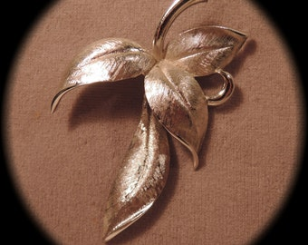 Signed Marvella Silver Tone Leaves Pin/Pendant 1960s